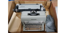 Olivetti Linea 98 Typing Machine